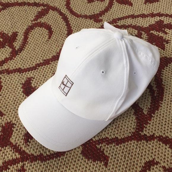 8276e8ef0 Nike Court Challenge dad hat